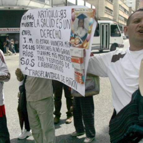 Profissionais de saúde protestam em Caracas contra a precariedade no sistema venezuelano Foto: Arquivo