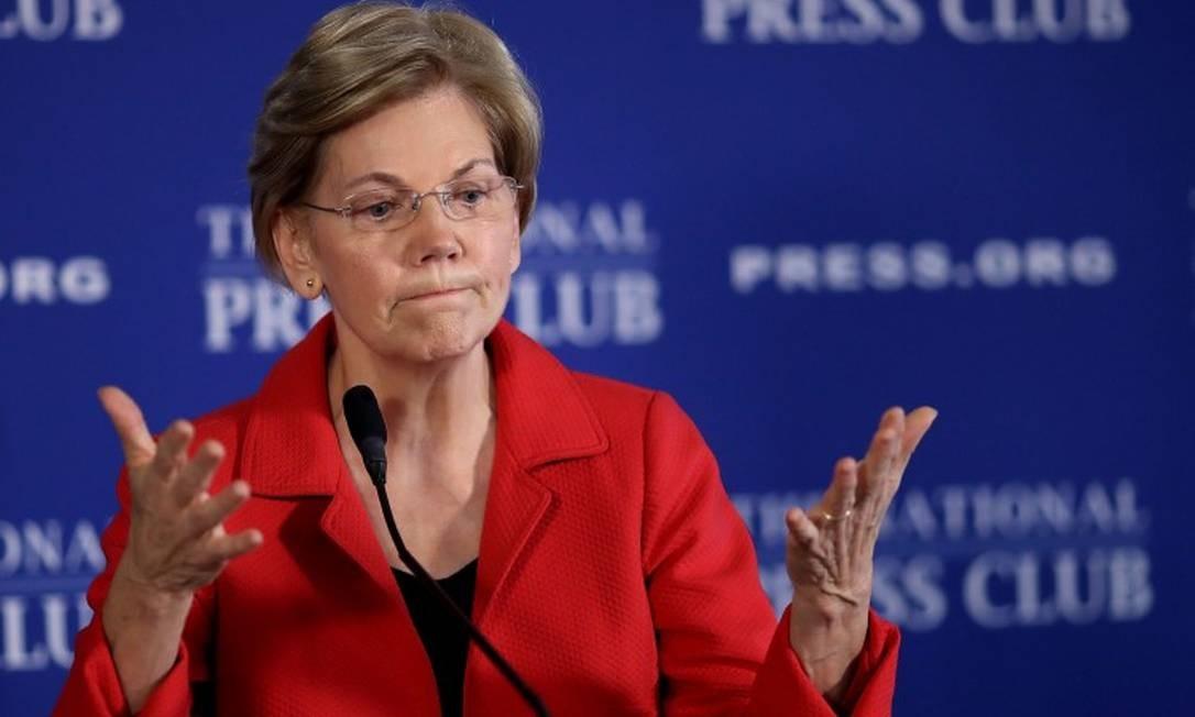 A senadora democrata Elizabeth Warren, alvo de ataques de Donald Trump no Twitter Foto: WIN MCNAMEE / AFP