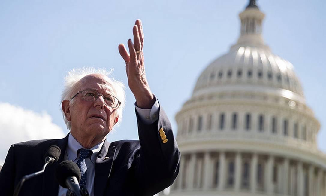 O senador democrata Bernie Sanders, que é comparado a Marx, Mao e Lenin Foto: Drew Angerer / AFP