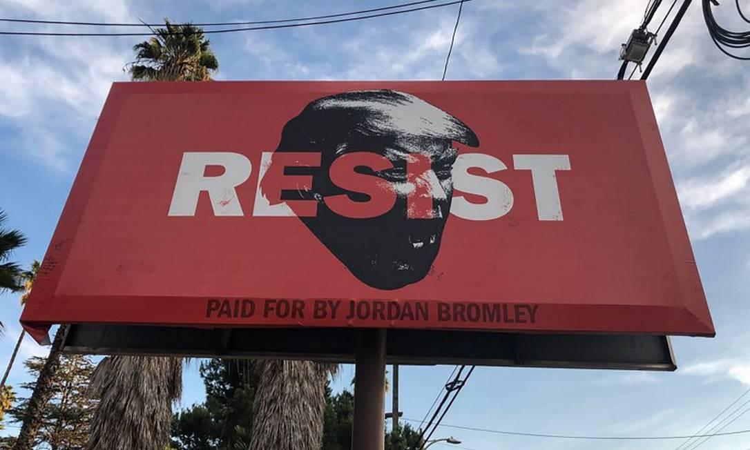 Painel da campanha democrata na Califórnia: distrito é um dos principais alvos do partido de oposição a Trump Foto: MARIO TAMA / AFP