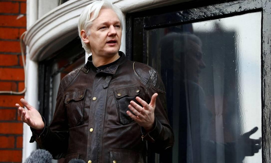 Assange não pode deixar a embaixada equatoriana em Londres desde 2012 Foto: Neil Hall / REUTERS