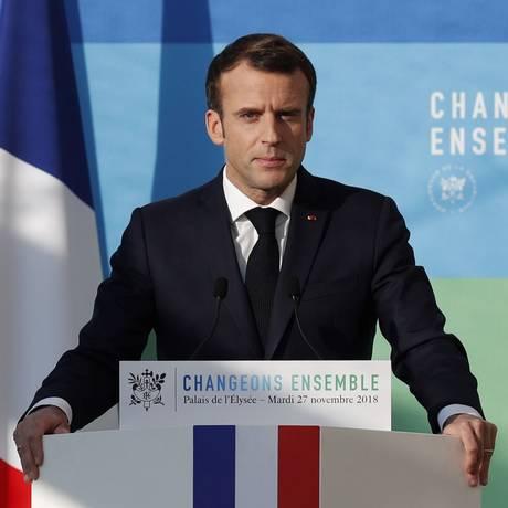 O presidente francês Emmanuel Macron discursa no Palácio do Eliseu em sua apresentação
