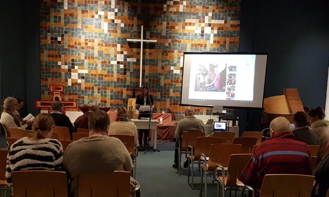 A igreja em Haia, na Holanda, onde 300 pastores protestantes se revezam para impedir deportação de família Foto: Reprodução Twitter @hayarpi_3