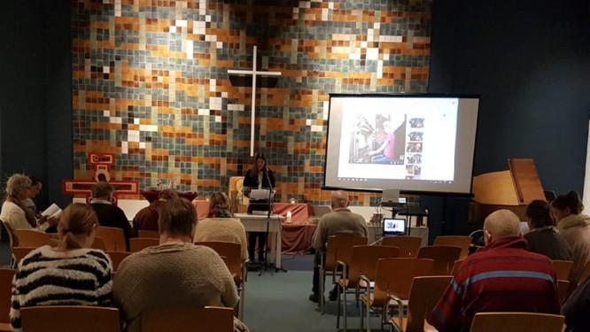 A igreja em Haia, na Holanda, onde 300 pastores protestantes se revezam para impedir deporta�?§�?£o de fam�?lia Foto: Reprodu�?§�?£o Twitter @hayarpi_3