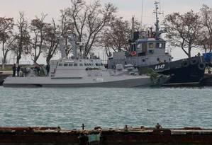 Navios ucranianos detidos no Estreito de Kerch, no Mar de Azov: incidente militar pode gerar conflito maior entre Moscou e Kiev Foto: AFP/26-11-18