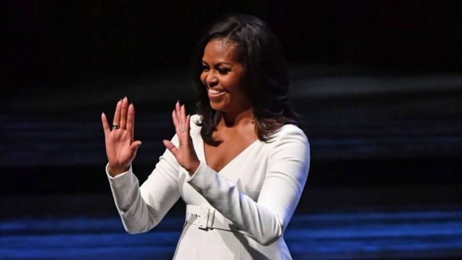 A ex-primeira-dama dos EUA Michelle Obama no lançamento do livro do Royal Festival Hall, em Londres Foto: BEN STANSALL/AFP