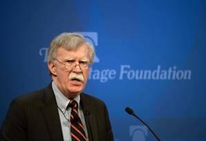 O conselheiro de Segurança Nacional John Bolton apresenta a nova política para a África na fundação Heritage em Washington Foto: NICHOLAS KAMM / AFP