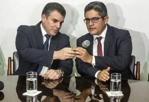 Os procuradores Rafael Vela e Jose Domingo Perez durante uma entrevista coletiva em Lima no dia 1 de janeiro Foto: ERNESTO BENAVIDES / AFP