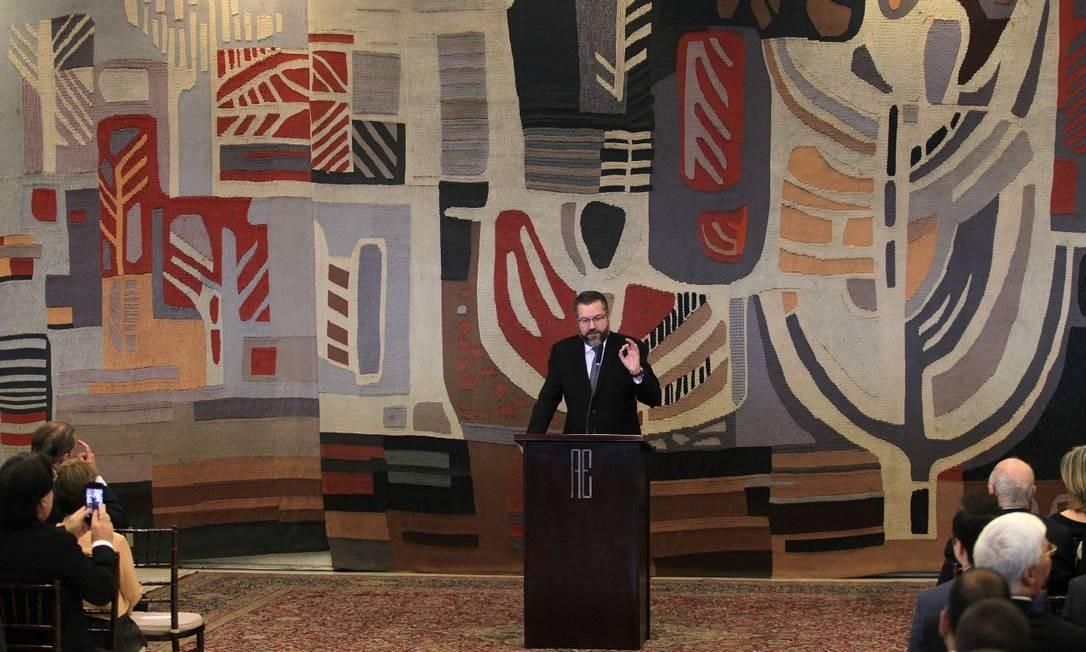 Cerimônia de transmissão de cargo para Ernesto Araújo no ministério das Relações Exteriores Foto: Jorge William / Agência O Globo