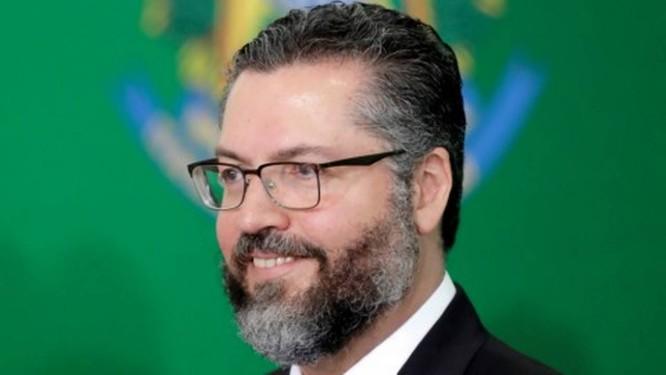 Ernesto Araújo em uma cerimônia no Palácio do Planalto, no dia 1 de janeiro Foto: UESLEI MARCELINO / REUTERS