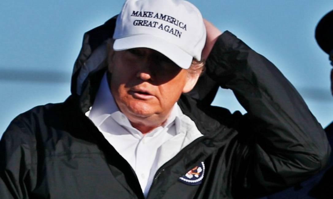 O presidente Donald Trump, em viagem para a fronteira sul dos EUA Foto: LEAH MILLIS/REUTERS
