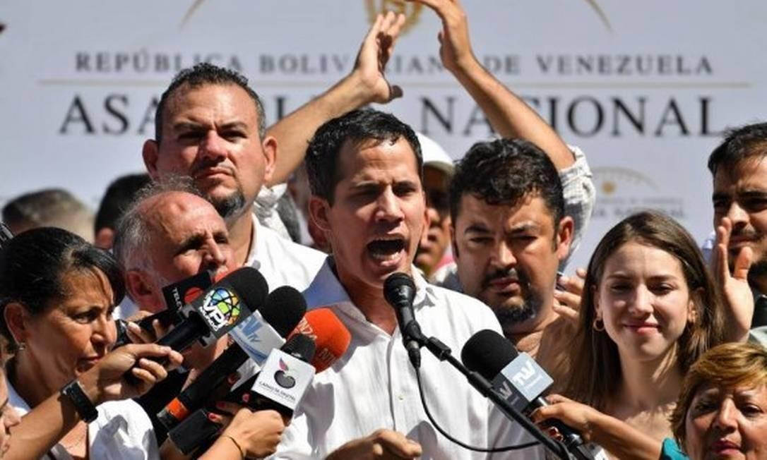 O presidente da Assembleia Nacional da Venezuela, Juan Guaidó, em um comídio em Vargas, no Norte do país: ele foi preso por cerca de uma hora por agentes do serviço de inteligência de Caracas Foto: Yuri CORTEZ/AFP