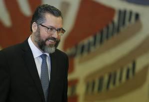 Ernesto Araújo durante a cerimônia de transmissão de cargo no Ministério das Relações Exteriores Foto: Jorge William / Agência O Globo
