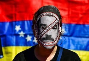 Protesto em Buenos Aires contra o presidente da Venezuela Nicolás Maduro Foto: RONALDO SCHEMIDT / AFP