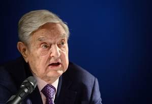 O bilionário George Soros, fundador da Open Society Foundation, que investe em programas em favor da democracia pelo mundo Foto: FABRICE COFFRINI / AFP