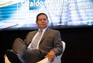 Presidente da República em exercício, General Hamilton Mourão, durante a comemoração dos 356 anos dos Correios, no dia 24 de janeiro Foto: Agência O Globo