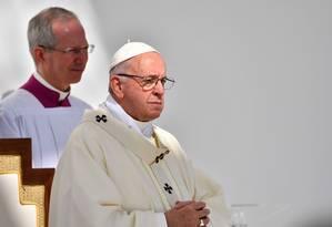 Papa Francisco conduz missa com aproximadamente 170 mil católicos em Abu Dhabi Foto: VINCENZO PINTO / AFP