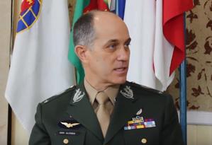 O general de Brigada Alcides Valeriano de Faria Junior, que assumira um cargo no Comando Sul dos EUA Foto: Reprodução do Youtube
