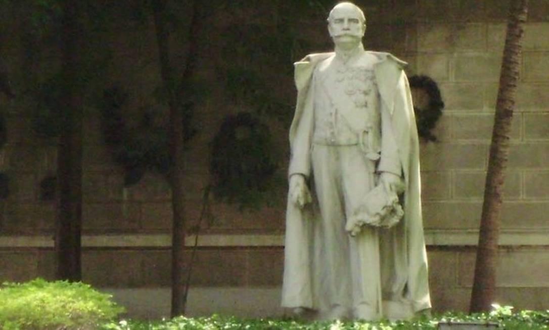 Estátua do Barão do Rio Branco, jardins do Palácio Itamaraty, Rio de Janeiro, Rj Foto: Reprodução/ Arquivo Google