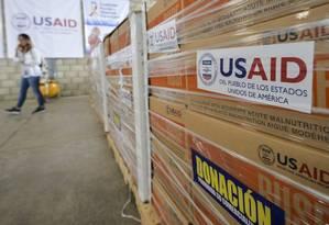 Caixas de ajuda envada pelos EUA para a Venezuela em um armazém em Cúcuta, na Colômbia Foto: LUIS ROBAYO / AFP 19-02-19