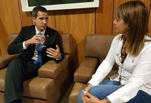 Juan Guaidó e Jacqueline Van Rysselberghe em reunião no Palácio do Planalto Foto: Reprodução