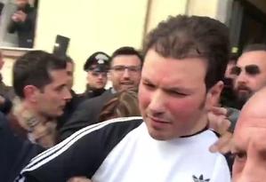 Marco Di Lauro, chefe da Camorra napolitana, foi preso. Foto: Reprodução de vídeo