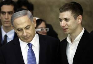 Benjamin Netanyahu e o filho Yair no Muro das Lamentações em Jerusalém Foto: THOMAS COEX / AFP