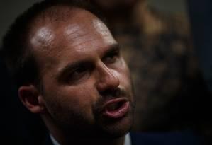 Segundo a AGU, a possível indicação de Eduardo Bolsonaro não afronta os princípios legais Foto: Daniel Marenco / Agência O Globo 13-03-19