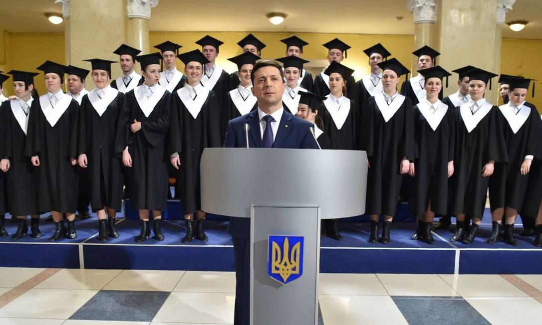 """Volodymyr Zelenskiy deu ao seu partido político o mesmo nome do programa que o fez famoso: """"Servo do Povo"""