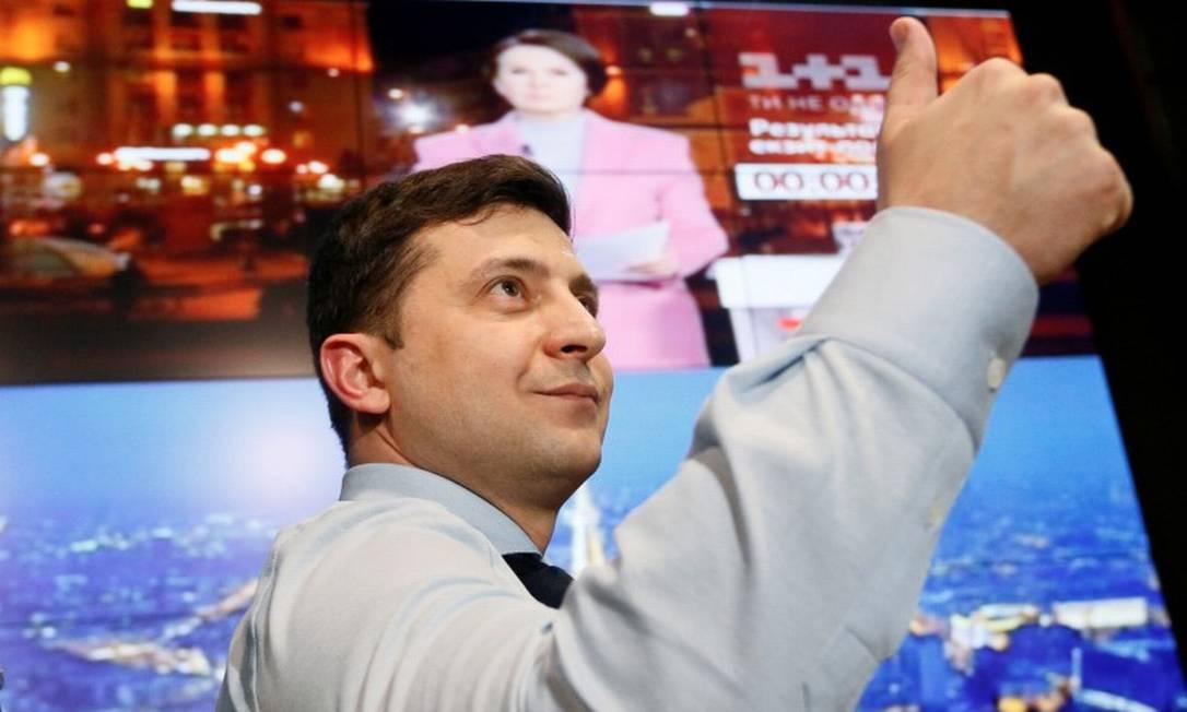 O comediante e candidato presidencial ucraniano Volodymyr Zelenskiy na sede de sua campanha em Kiev Foto: Valentyn Ogirenko / REUTERS