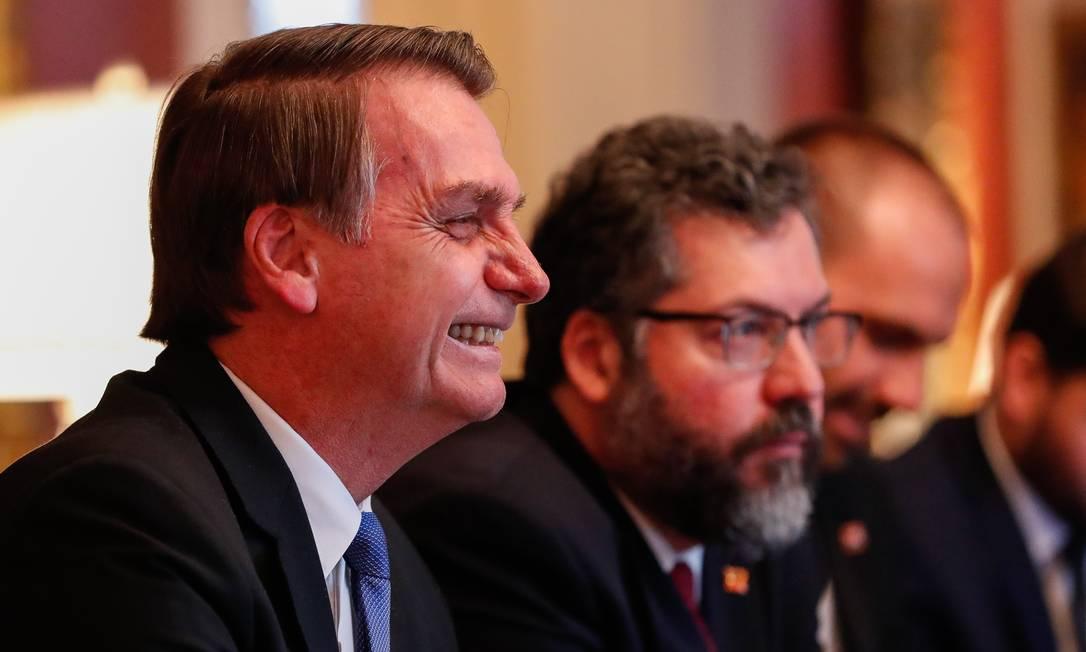 (Washington, DC - EUA 18/03/2019) Presidente da República Jair Bolsonaro acompanhado do Ministro das Relações Exteriores, Embaixador Ernesto Araújo. Foto: Alan Santos/PR Foto: Agência O Globo