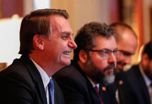 Presidente da República Jair Bolsonaro acompanhado do Ministro das Relações Exteriores, Embaixador Ernesto Araújo. Foto: Alan Santos / PR