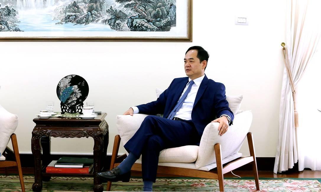 O embaixador chinês Yang Wanming, que assumiu o posto na última semana de dezembro Foto: Jorge William / Agência O Globo