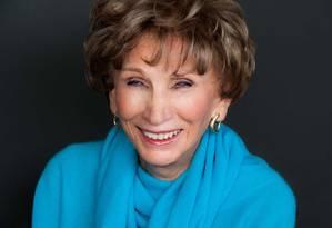 """Aos 91 anos, a psicóloga Edith Eger conta que parte dela ficou em Auschwitz, """"mas não a melhor parte"""" Foto: Jordan Engle / Divulgação"""