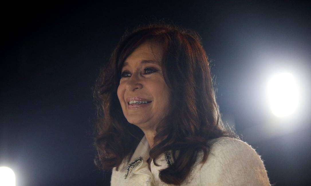 """A ex-presidente argentina Cristina Kirchner no lançamento de seu livro """"Sinceramente"""" em Buenos Aires Foto: AGUSTIN MARCARIAN / REUTERS 9-5-19"""