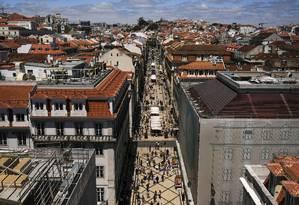 A rua Augusta, na Baixa de Lisboa: no país todo, compras de imóveis por brasileiros só perde para aquisições de franceses Foto: Patricia De Melo Moreira / Bloomberg