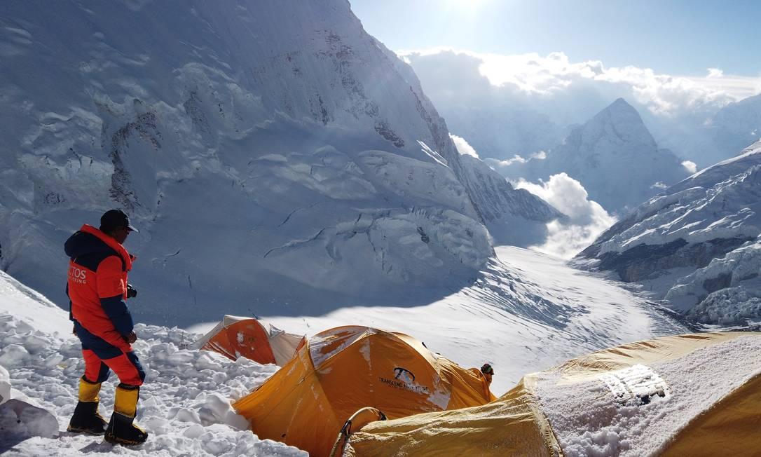 Pemba Dorjee, um alpinista que subiu o Everest 20 vezes, durante uma expedição neste mês. Foto: STRINGER / REUTERS