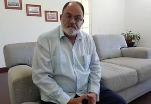 """Rolando González: """"Temos médicos em 68 países e muitos têm governos de direita"""" Foto: Eliane Oliveira / O Globo"""