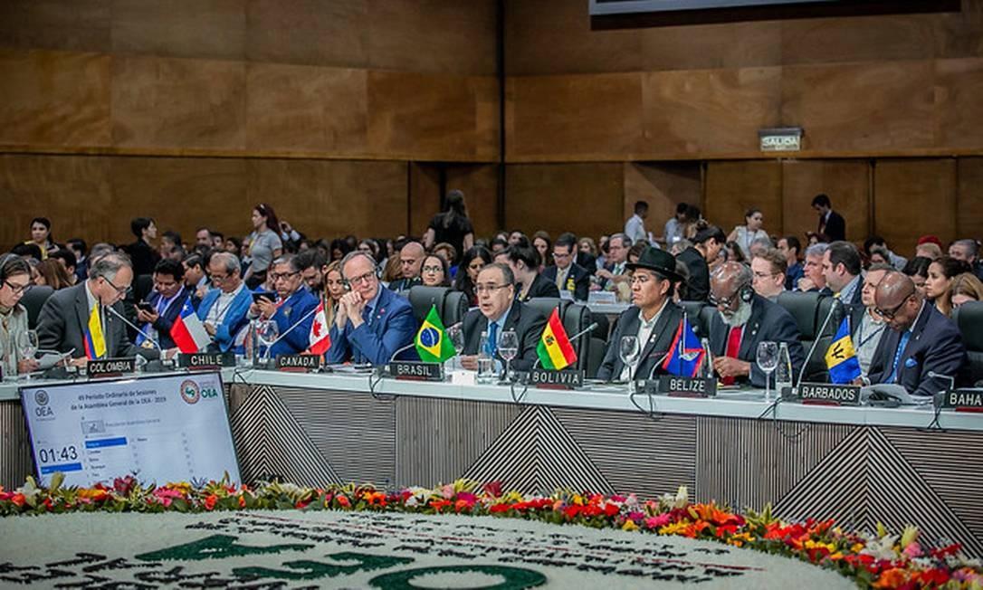 O representante permanente do país junto à OEA, Fernando Simas Magalhães, na Assembleia Geral da organização em Medelim Foto: Reprodução/OEA 28-6-19