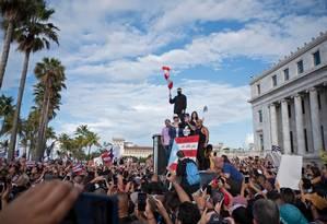 Pessoas paritcipam de protesto exigindo a renúncia do governador de Porto Rico Ricardo Rosselló Foto: ERIC ROJAS / AFP 17-7-19