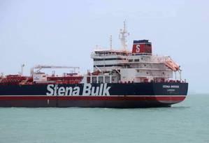 Imagem do navio britânico divulgada pela agência iraniana Tasnim neste sábado mostra petroleiro ancorado em Bandar Abbas, após ser capturado pelo Irã Foto: AFP