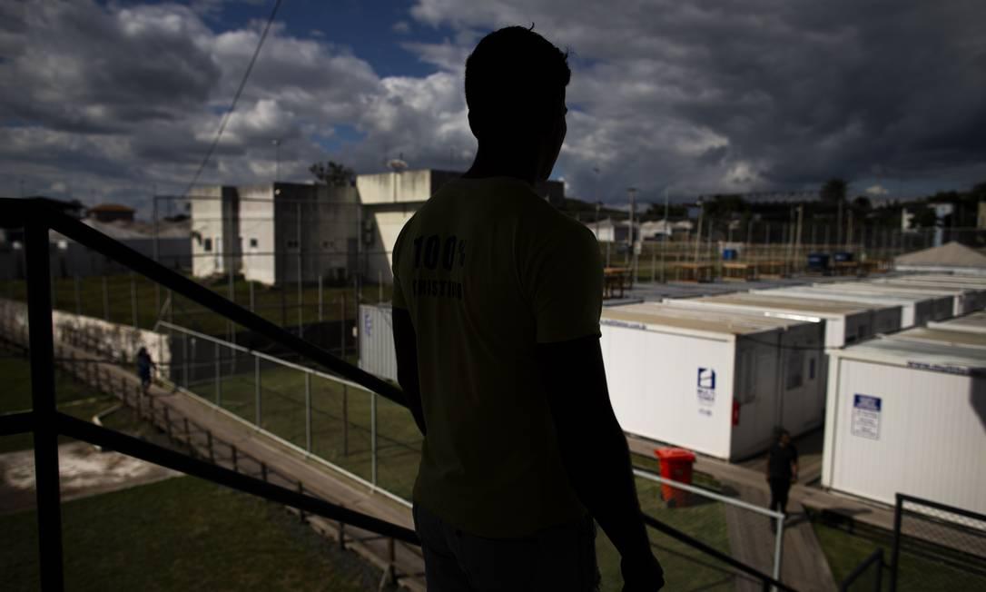 """""""Juan"""", desertor de um serviço de inteligência de Maduro, fugiu e está em abrigo em Pacaraima, na fronteira com a Venezuela Foto: Daniel Marenco"""