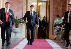 O vice-presidente do Paraguai Hugo Velázques deixa uma reunião no palácio presidencial em Assunção Foto: JORGE ADORNO / REUTERS 1-8-19
