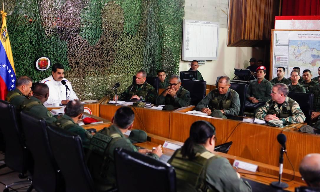 O presidente Nicolás Maduro durante um encontro com a alta cúpula do Exército em Caracas Foto: MIRAFLORES PALACE / NYT 24-7-19