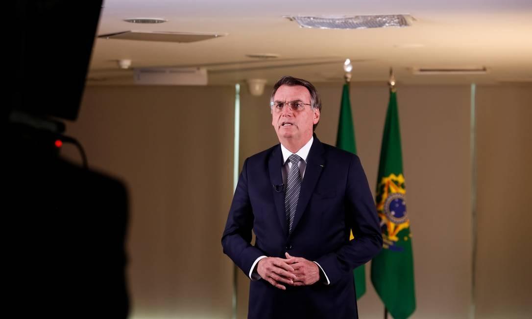Bolsonaro durante gravação de pronunciamento à nação sobre a crise das queimadas na Amazônia na última sexta: presidente não é muito afeito a ler discursos preparados por sua equipe, o que preocupa diplomatas sobre o que vai falar no seu primeiro discurso de abertura da Assembleia Geral das Nações Unidas em setembro Foto: Carolina Antunes/PR/23-08-2019