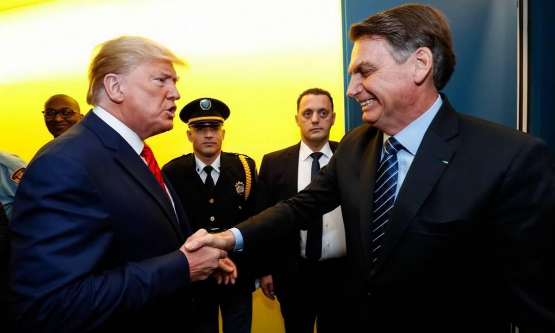O presidente Jair Bolsonaro aperta a mão do presidente dos Estados Unidos, Donald Trump, após sessão da Assembleia Geral da ONU Foto: Alan Santos / Presidência da República 24-9-19
