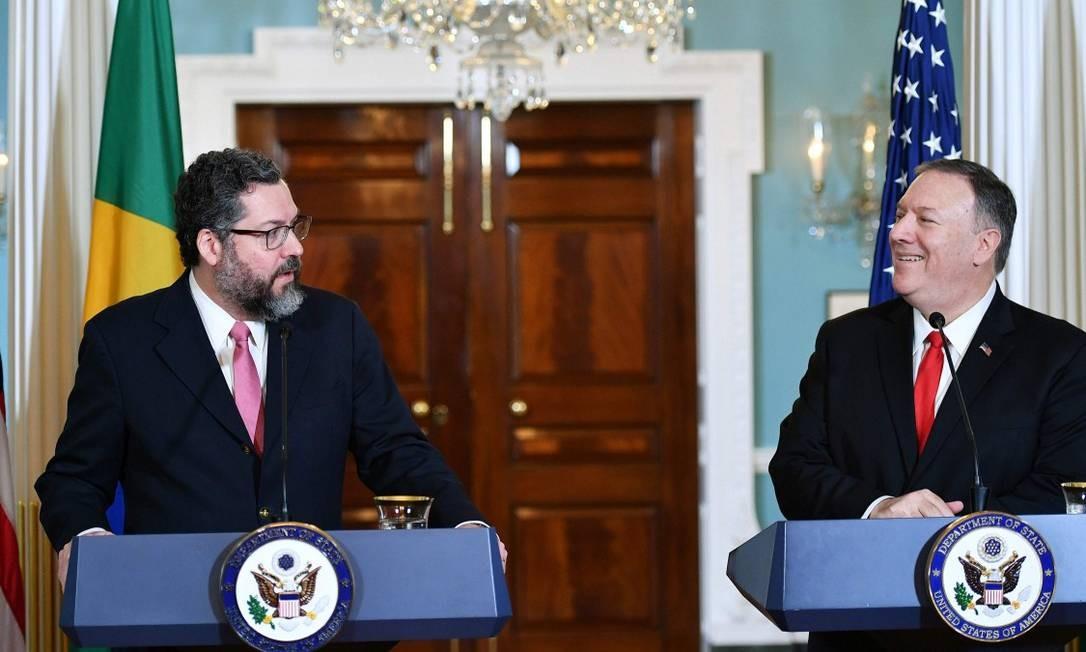 O chanceler Ernesto Araújo durante encontro com o secretário de Estado Mike Pompeo em Washington Foto: MANDEL NGAN / AFP 13-9-19