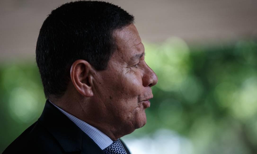 O vice-presidente Hamilton Mourão, que atualmente está no Vaticano Foto: Daniel Marenco / Agência O Globo 7-3-19