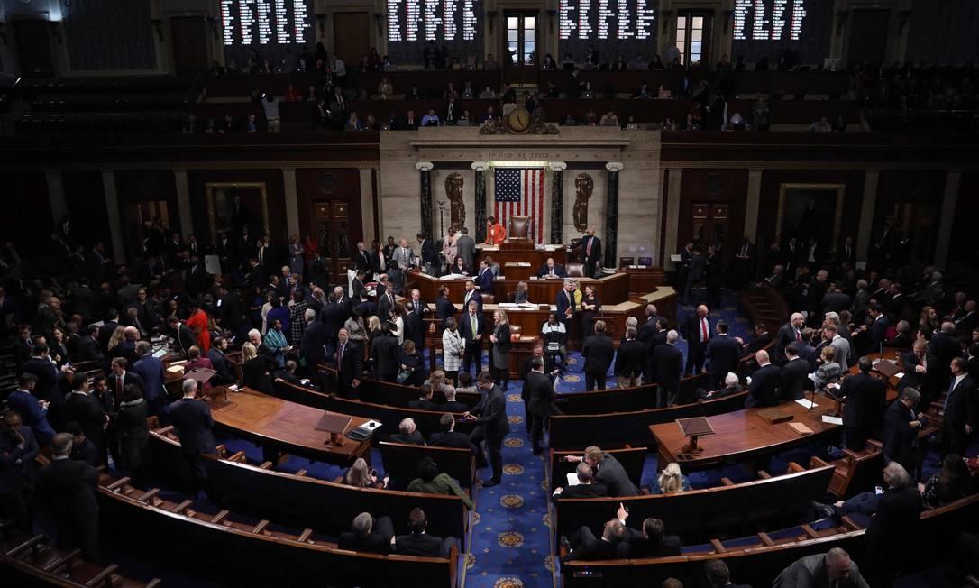 A Câmara dos Deputados dos EUA durante a sessão que aprovou as regras do inquérito que pode levar ao impeachment de Donald Trump Foto: WIN MCNAMEE / AFP 31-10-19