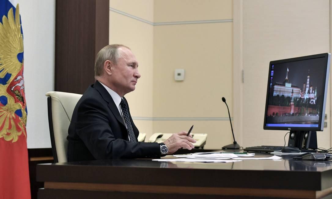 O presidente da Rússia VladimirPutin em seu gabinete em Novo-Ogaryovo, fora de Moscou Foto: SPUTNIK / via REUTERS 1-11-19
